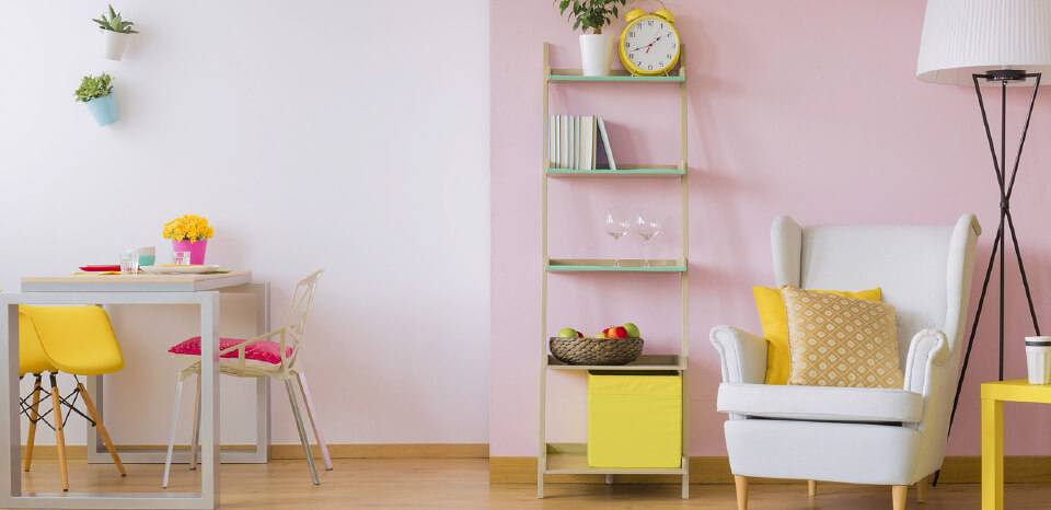 Rose colour painted room